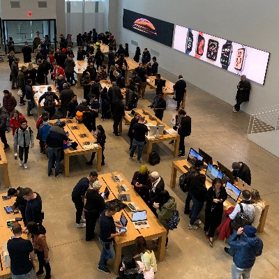 A busy Apple Store.